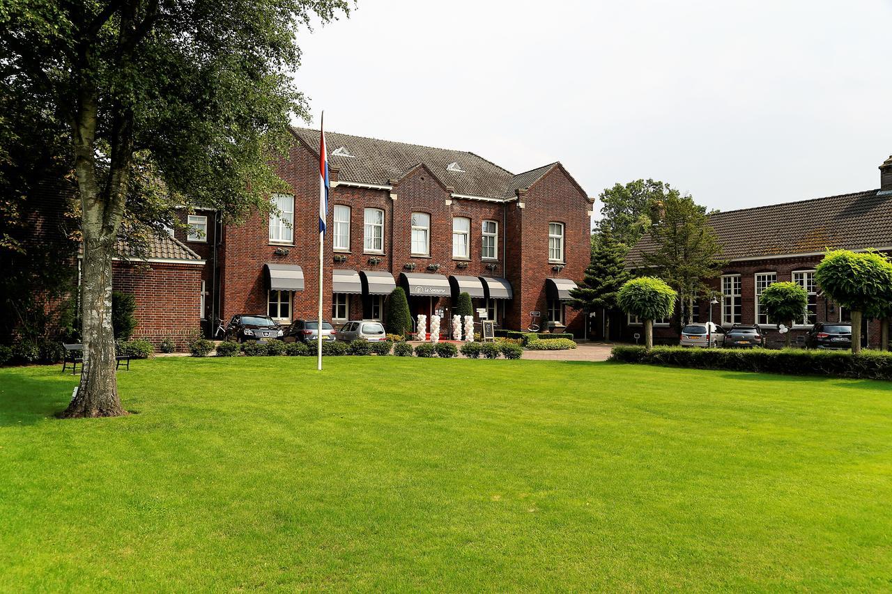 Hotel De Sonnerie Son